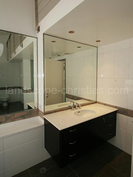 Additional photo for property listing at Beachfront, The Repulse Bay, Hongkong