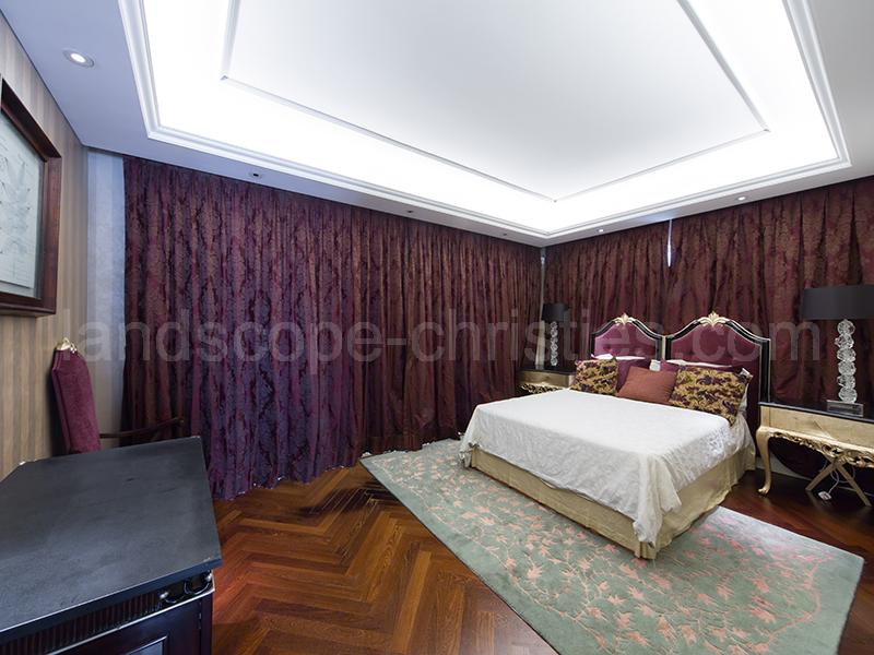 Additional photo for property listing at Plantation Road, 46 The Peak, Hong-Kong
