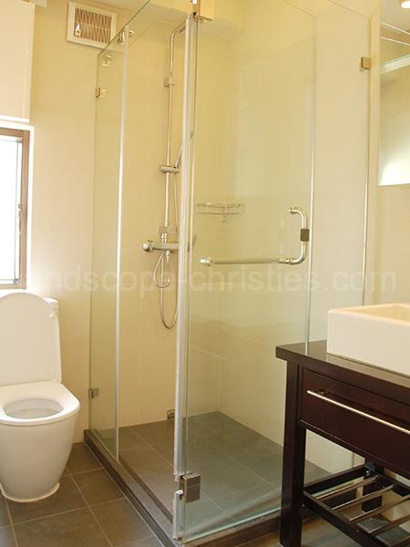 Additional photo for property listing at King's Court (MLW) Midlevels West, 香港
