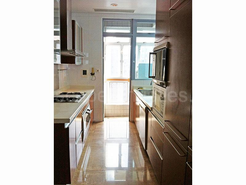 Additional photo for property listing at Residence Bel-Air - (Phase 4) Bel-Air On The Peak Pokfulam, Hong Kong