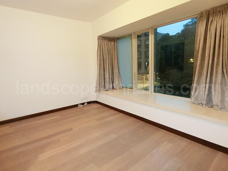 Additional photo for property listing at Legend, The Midlevels East, Hong Kong